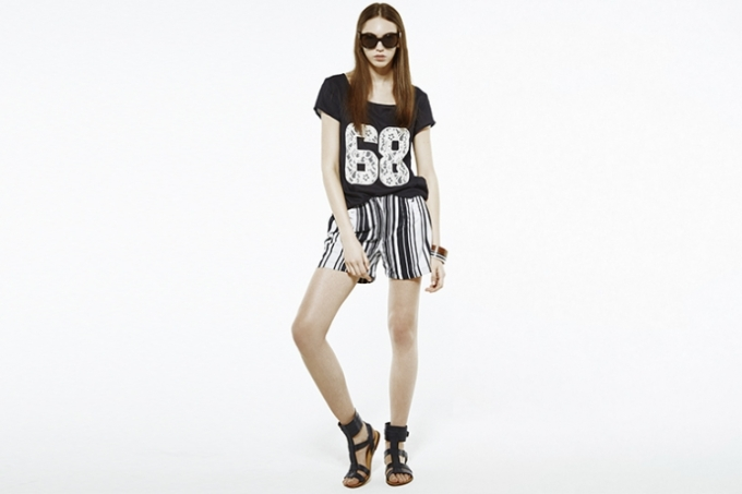 relaxed_stripes_shop_01_woman_760_507_50