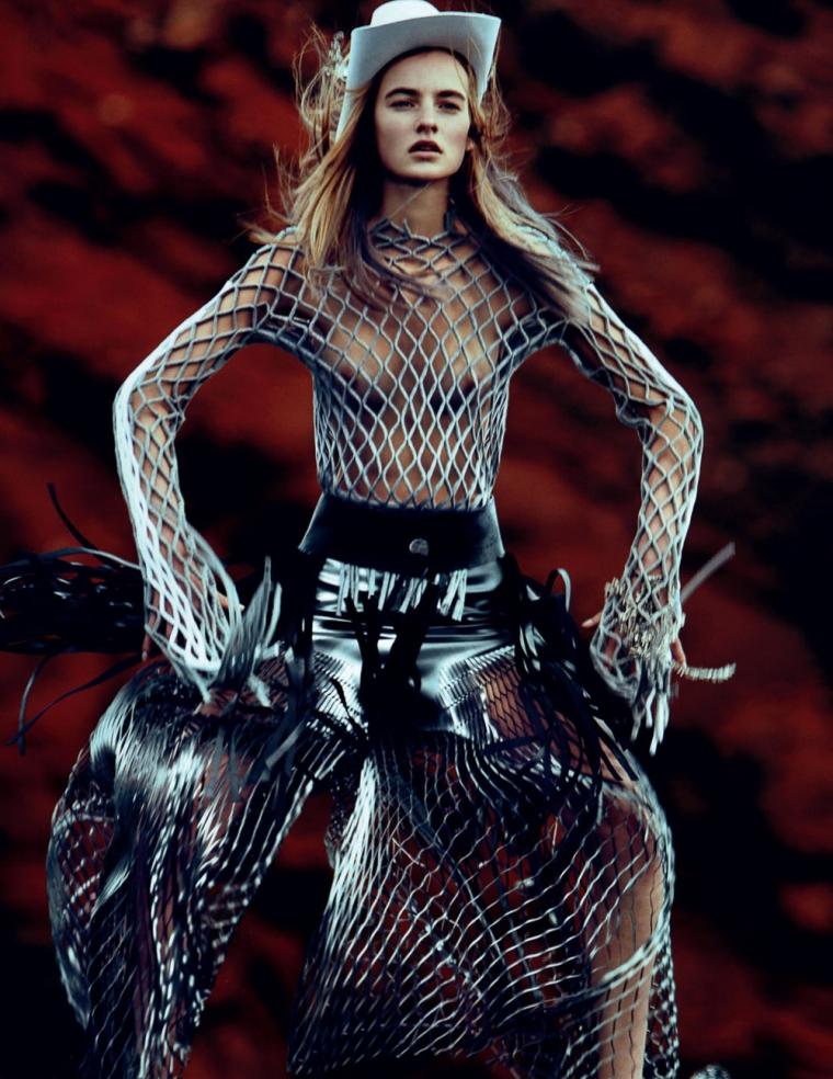 Vogue-Russia-April-2016-Maartje-Verhoef-by-Txema-Yeste-9