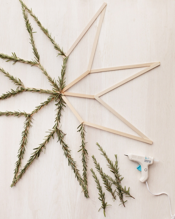 star-wreath-how-to-2-mld107927_vert