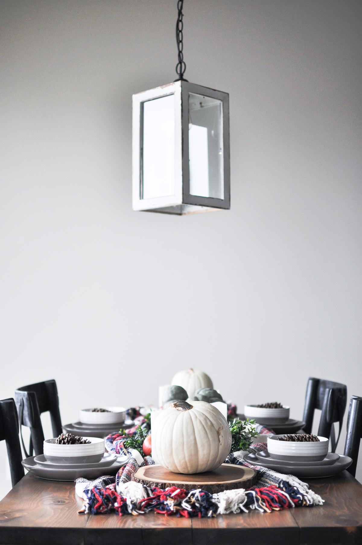 https://cherishedbliss.com/a-simple-cozy-fall-tablescape/