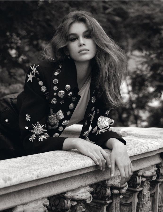 https://www.fashiongonerogue.com/editorial/kaia-gerber-fall-outerwear-vogue-uk/