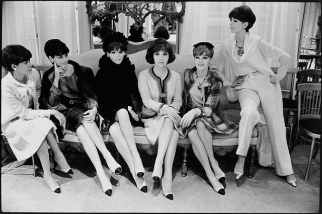 chanel-two-tone-shoes-gina-lollobrigida-and-chanel-house-models